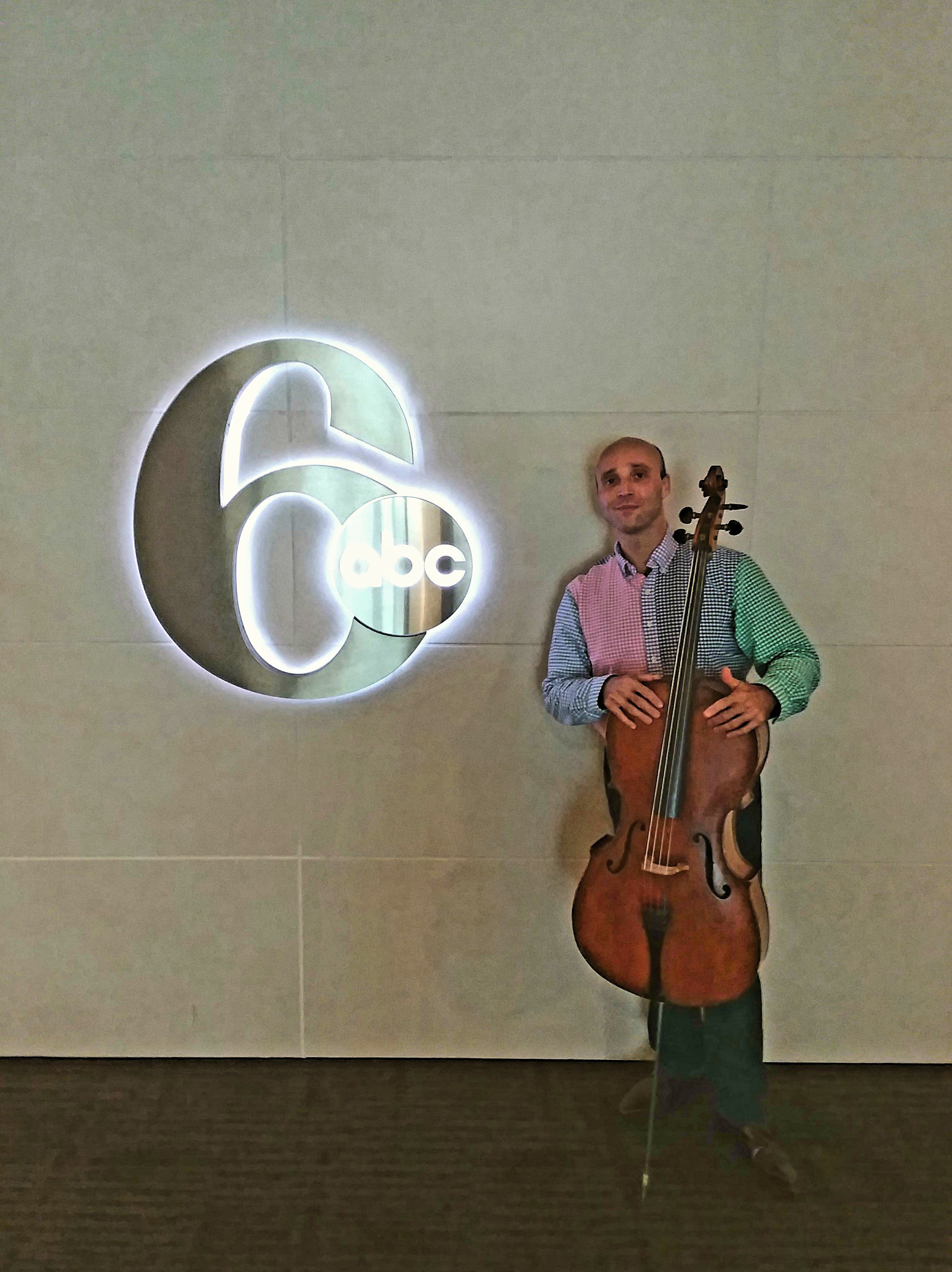 Following a performance in collaboration with Diego Castellanos at Philadelphia's television station, WPVI-TV, Channel 6-ABC